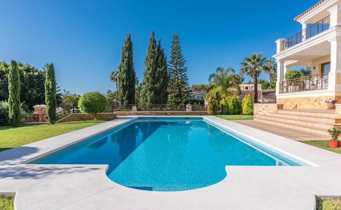 luxury-villa-in-hacienda-las-chapas-marbella-23