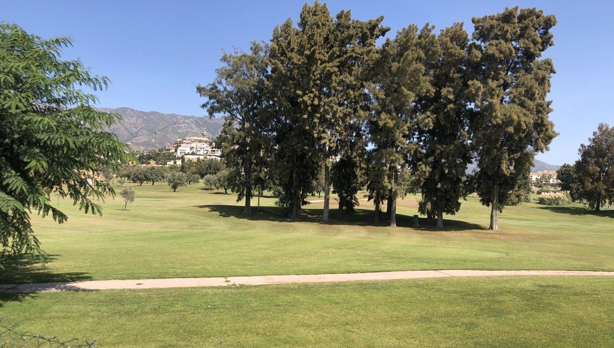 first-line-golf-garden-apartment-in-mijas-la-siesta-golf-img_9065