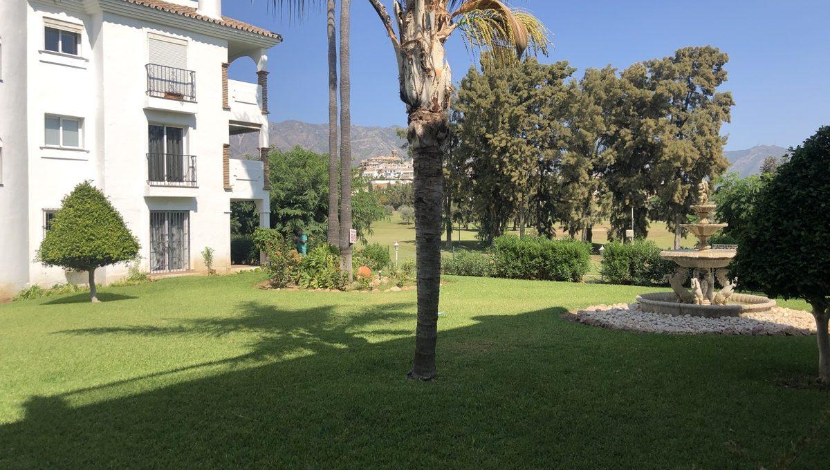 first-line-golf-garden-apartment-in-mijas-la-siesta-golf-img_9076