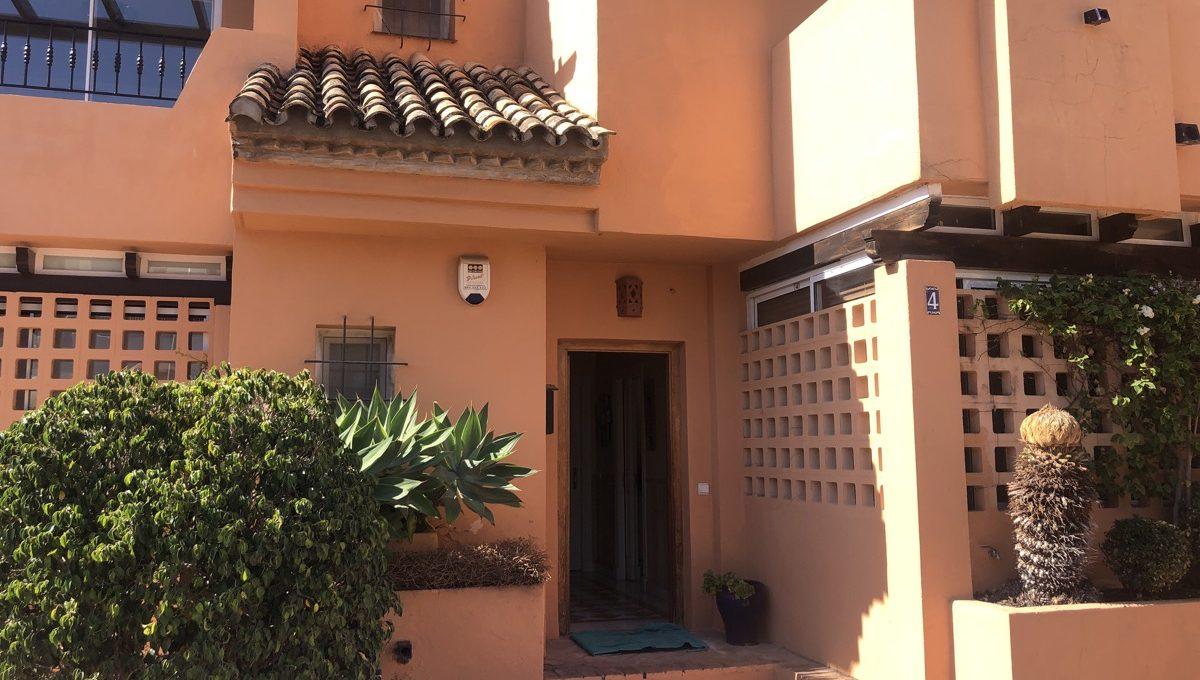 semi-detached-6-bedroomvilla-in-lomas-de-puente-romano-golden-mile-marbella-img_0269