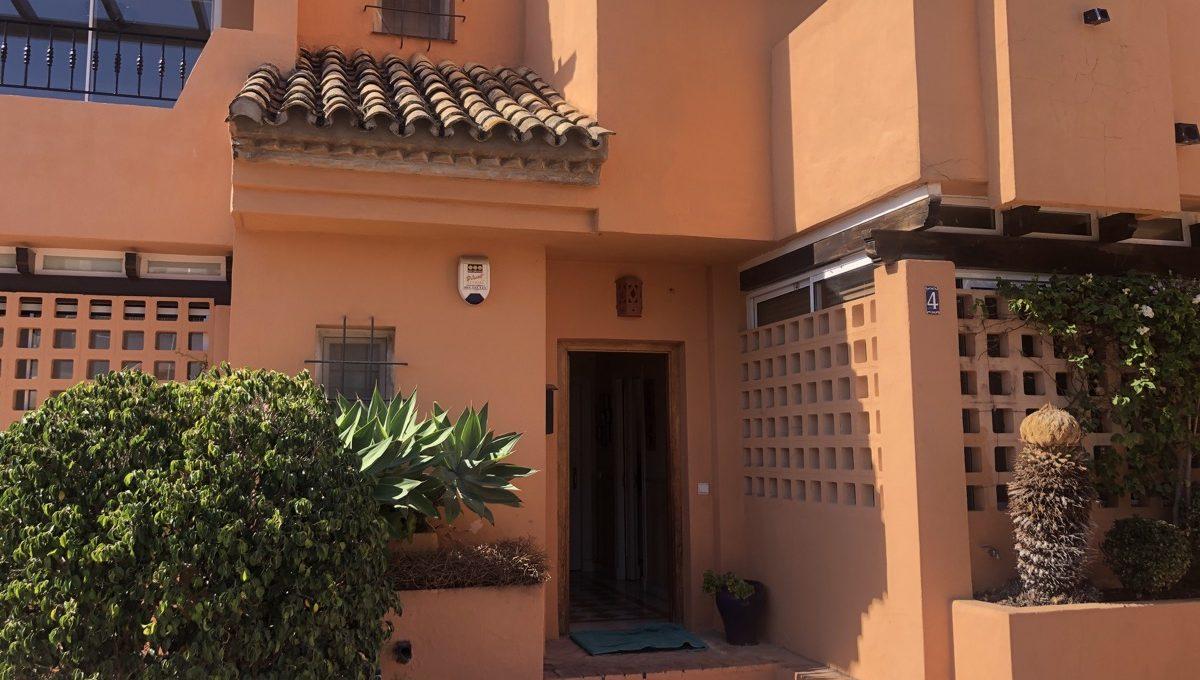 semi-detached-6-bedroomvilla-in-lomas-de-puente-romano-golden-mile-marbella-img_0270