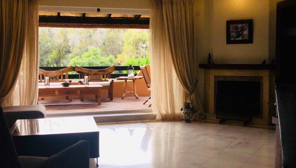 semi-detached-6-bedroomvilla-in-lomas-de-puente-romano-golden-mile-marbella-img_1345