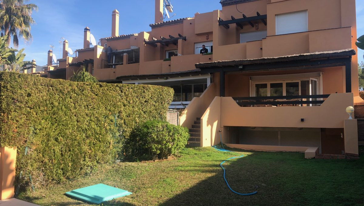 semi-detached-6-bedroomvilla-in-lomas-de-puente-romano-golden-mile-marbella-img_3698